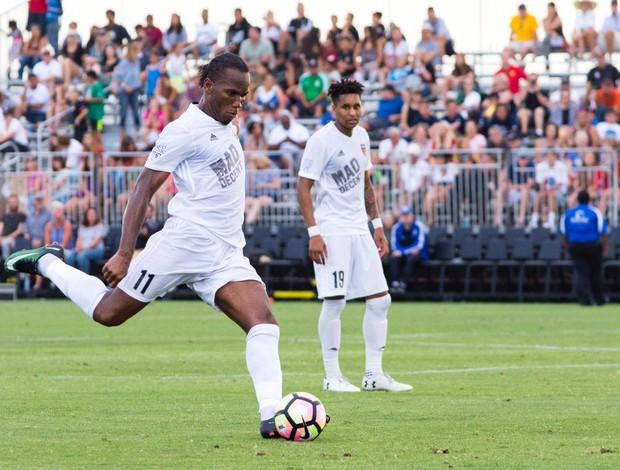 BLOG: Drogba marca de falta nos acréscimos e chega a cinco gols no ano; assista