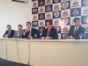 Secretário Jeferson Portela fala sobre operação em coletiva (Foto: Clarissa Carramilo / G1)