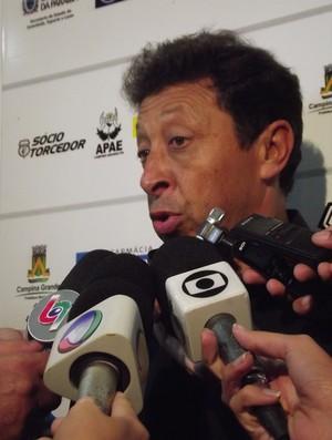 Lorival Santos ainda aguarda reforços para o time do Treze (Foto: Jackson Rondinelli / TV Paraíba)