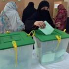 Explosão mata 10 durante eleições no Paquistão (Aamir Queeshi / AFP Photo)