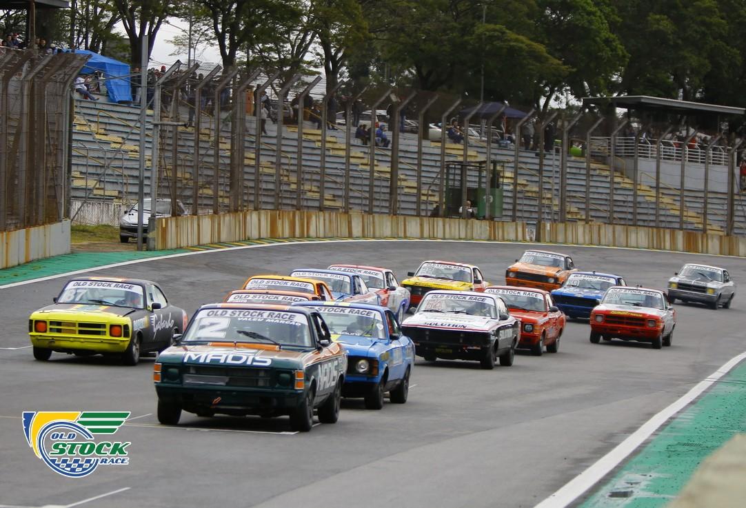 O larga da corrida 2, já com pista seca, promovendo fortes emoções! (Foto: Humberto Silva/OSR)