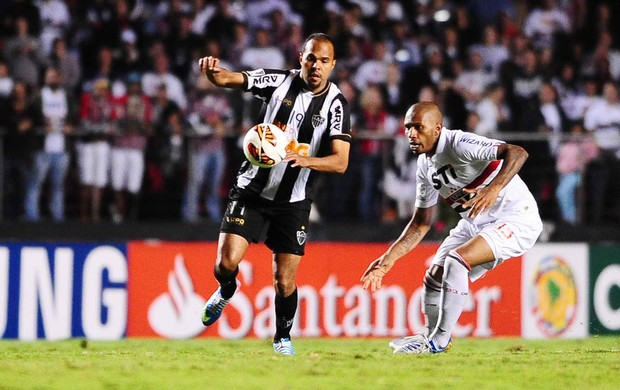Alecsandro, São Paulo x Atlético-MG (Foto: Marcos Ribolli)