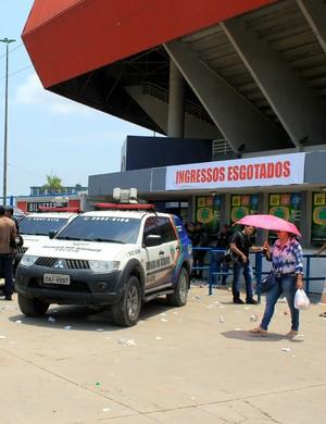 Ingressos esgotados Flamengo x Botafogo Manaus (Foto: Adneison Severiano)