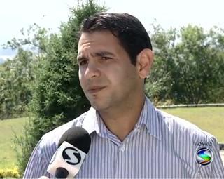 Veterinário Rodrigo campos tirou algumas dúvidas (Foto: RJTV 1ª Edição)