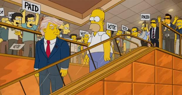 Episódio de 2015 mostra o presidente eleito Donald Trump descendo escadas rolantes junto com Homer Simpsons (Foto: Reprodução/YouTube)