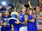 Após vitória da Portela, Paulo Barros homenageia Marcos Falcon