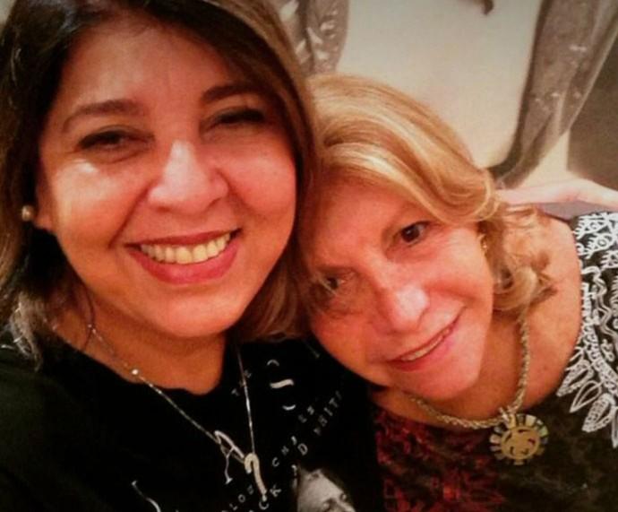 Roberta com a amiga, Wanda, que a acolheu (Foto: TV Globo)