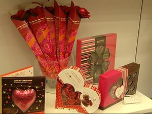 Dia dos Namorados movimenta comércio em Resende (Foto: Reprodução TV Rio Sul)