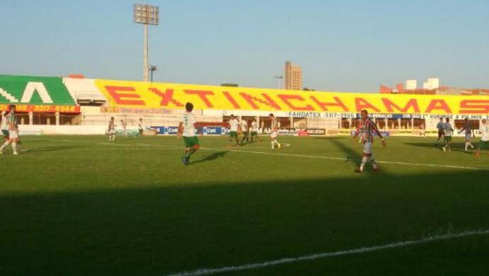 Baraúnas x Assu, no Estádio Nogueirão (Foto: Rádio Princesa AM)