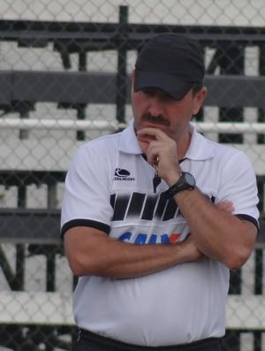 Leandro Campos, técnico do ASA (Foto: Leonardo Freire/GLOBOESPORTE.COM)