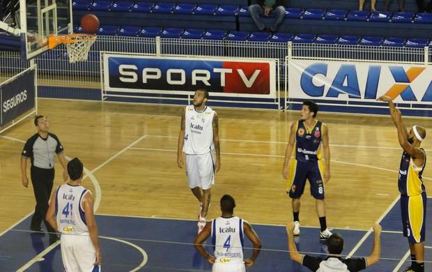 Minas x São José basquete NBB (Foto: Marco Antônio Astoni)