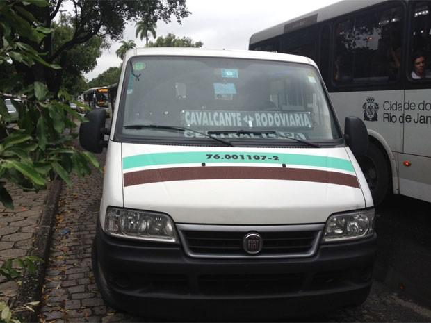 Van sem placa dianteira foi apreendida durante o primeiro dia de operação (Foto: Cristiane Cardoso/G1)