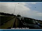 Alunos fecham ponte por 4 horas em protesto contra 'estadualização'