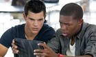 Taylor Lautner está 'Sem Saída' neste domingo (Divulgação)