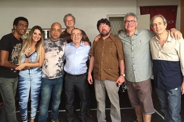 Humoristas nos bastidores de 'Procurando Casseta & Planeta' (Foto: Karla Monteiro)