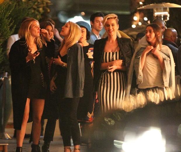 Katy Perry e amigas (Foto: AKM-GSI)