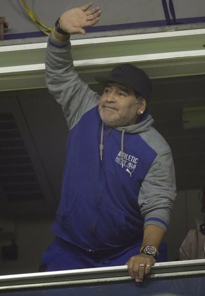 """Maradona cita """"armação"""" de Messi e critica ouro do Brasil: """"Está horrível"""""""