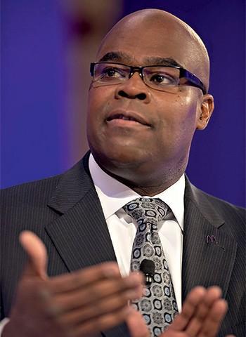 Thompson, o ex-CEO, não conseguiu engordar as vendas e deixou a empresa. Tinha 25 anos de casa (Foto: Glow)