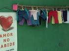 Projeto 'Amor no Cabide' doa roupas a moradores pelas ruas de Extrema