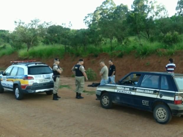 Corpo da jovem de 14 anos foi encontrada em estrada na zona rural de Alfenas, MG (Foto: Minas Acontece / Reprodução EPTV)