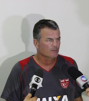 Mazola Júnior em entrevista coletiva após treinamento (Foto: Caio Lorena / GloboEsporte.com)