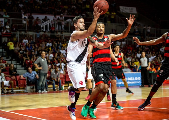 Flamengo x Vasco, Torneio de Basquete do Ceará (Foto: Stephan Eilert)