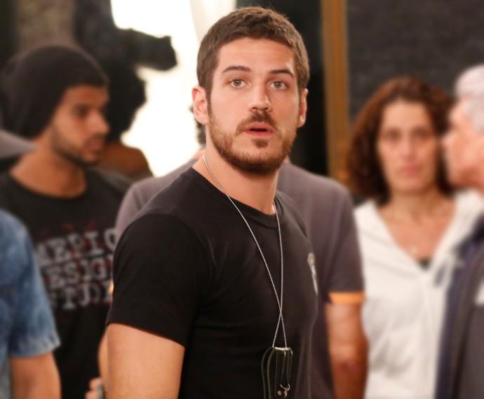 Dante fica pasmo ao ouvir revelação de Juliano (Foto: Ellen Soares / Gshow)