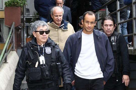 Marchinha em homenagem ao agente da Policia Federal faz sucesso na internet (Foto: Newton Ishii acompanha Marcelo Odebrecht (Foto: Geraldo Bubniak/Parceiro/Agência O Globo))