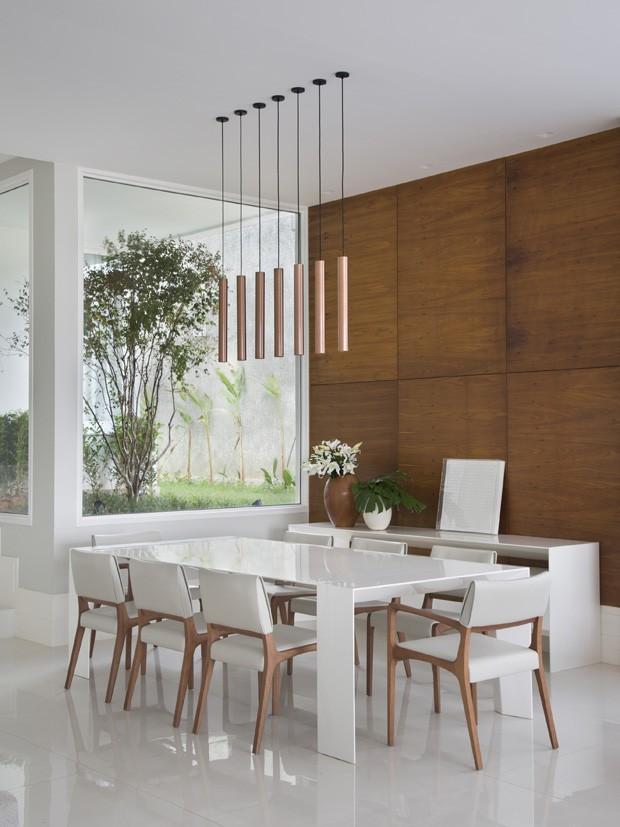 Artesanato Com Pneus ~ Casa tem living integradoà varanda e decoraç u00e3o com base neutra Casa e Jardim Decoraç u00e3o
