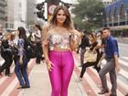 Geisy Arruda posa para ensaio na Avenida Paulista