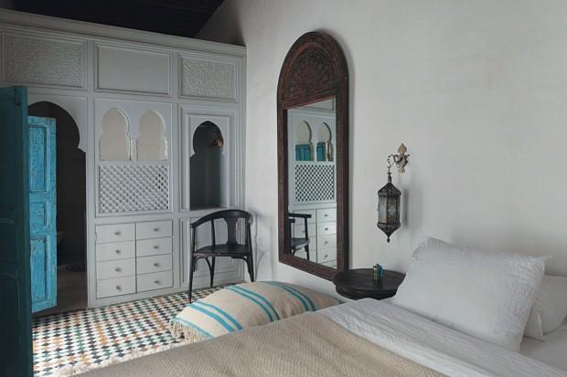 O armário do quarto traz desenhos característicos do Marrocos (Foto: Lufe Gomes / Editora Globo)