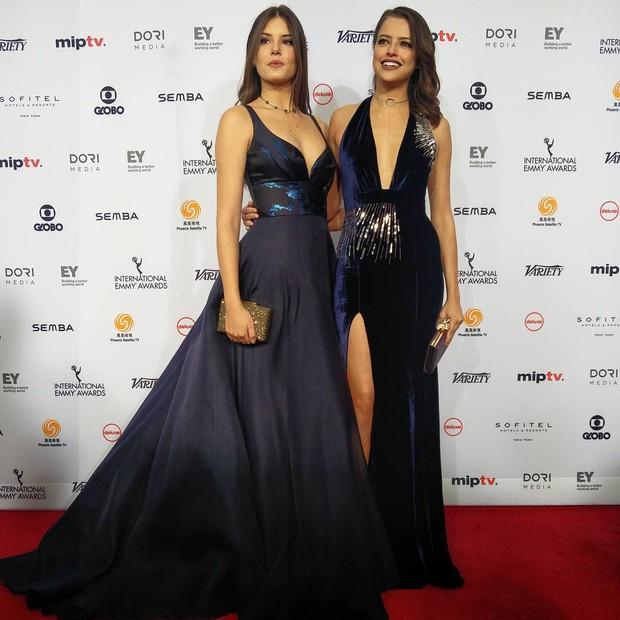 Camila Queiroz e Agatha Moreira (Foto: Reprodução/Instagram)