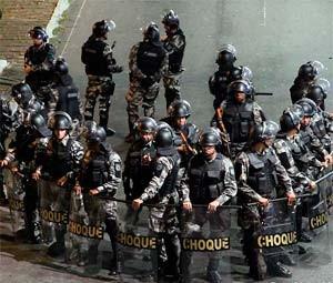 Batalhão de Choque foi acionado para conter os manifestantes (Foto: Canindé Soares/Cedida)