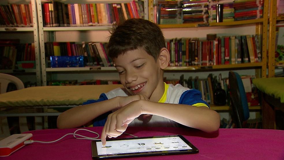 Aplicativo ajuda quem tem paralisia ou autismo (Foto: Reprodução/TV Globo)