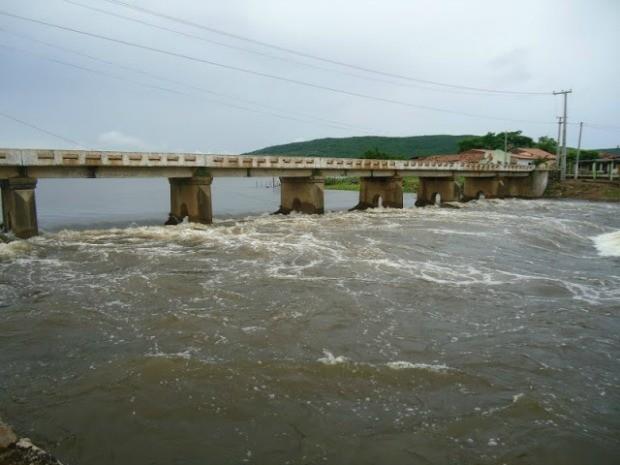 Acaraú Mirim com volume máximo tem água o suficiente para abastecer uma cidade como Fortaleza durante um ano (Foto: Governo do Estado/Divulgação)