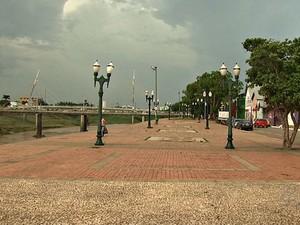 Previsão é de muita chuva para esta sexta-feira (10) (Foto: Reprodução/TV Acre)