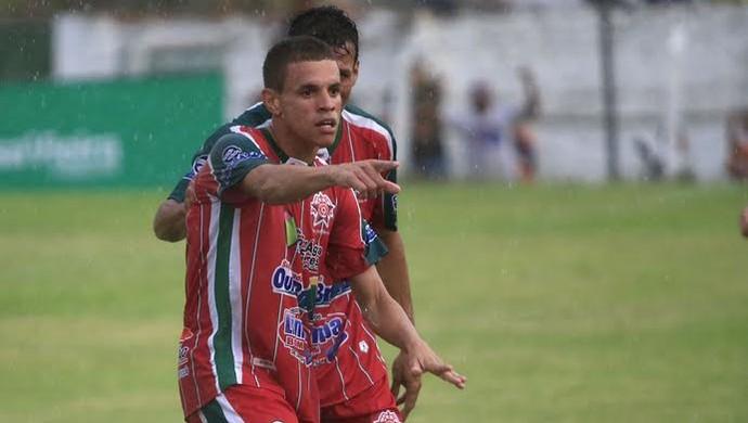 Ivanzinho comemora o gol do CEO contra o CSA (Foto: Ailton Cruz/ Gazeta de Alagoas)