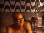 Sheik posa de óculos e fã questiona se é da coleção da namorada