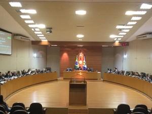 Plenário foi inaugurado em fevereiro de 2005 e desde então não foi reformado (Foto: Kelly Martins/G1 MT)