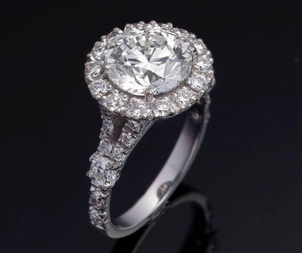 O anel de noivado de Marina Ruy Barboda (Foto: Divulgação)