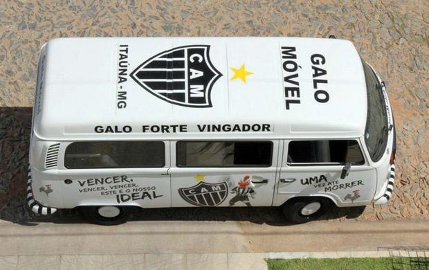 Grupo de amigos criam o Galo Móvel em Itaúna  (Foto: Arquivo Pessoal / Samuel Coutinho)