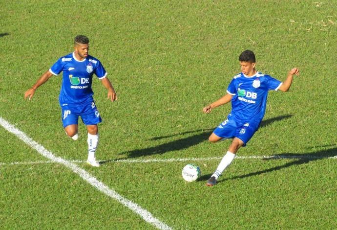 Volante Yan Gomes (dir.), URT, Patos de Minas (Foto: Douglas David/Cabeça Esportes)
