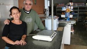 O comerciante Fábio Pacheco Pereira e a mulher, Maristela Occhi. (Foto: Alex Araújo/G1)