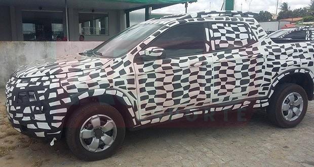 Flagra da picape Fiat Toro em testes (Foto: Jardel Amorin/Autoesporte)