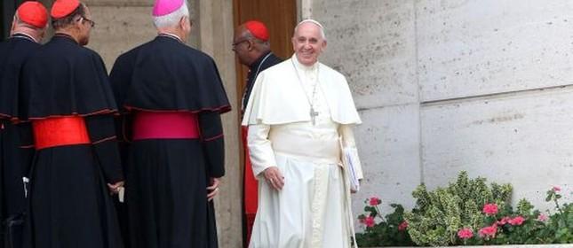 Papa deixa uma das sessões do Sínodo sobre a Família (Foto: Franco Origlia / Getty)
