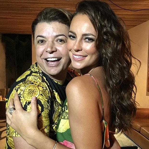 David Brazil e Paolla Oliveira com amigas em festa no Rio (Foto: Instagram/ Reprodução)