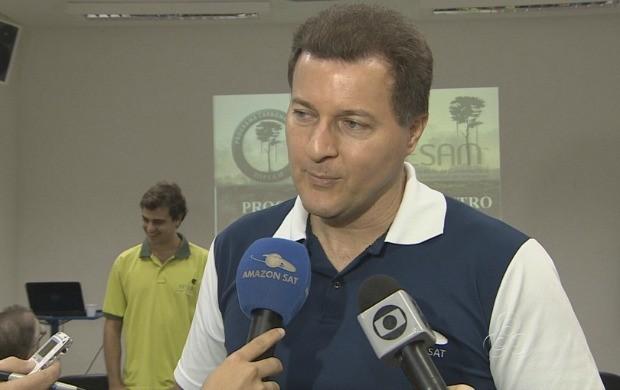 Diretor-presidente do Amazon Sat, Phelippe Daou Júnior durante entrevista  (Foto: Bom Dia Amazônia)