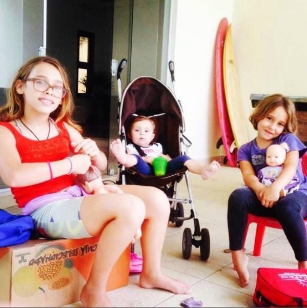 As três filhas de Gisele Frade (Foto: Reprodução / Instagram)