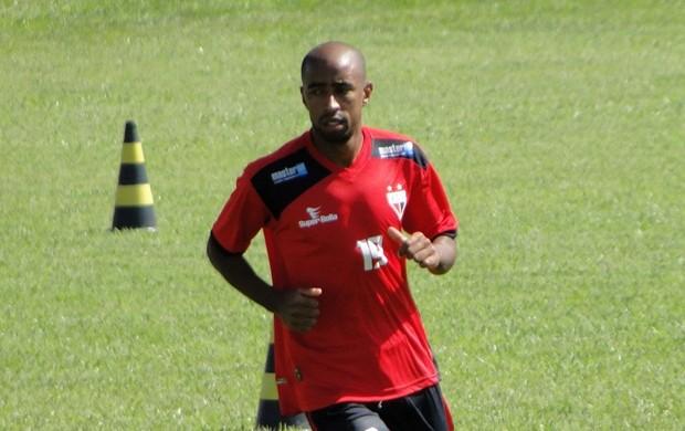 Paulinho, lateral-esquerdo do Atlético-GO (Foto: Divulgação/Atlético-GO)