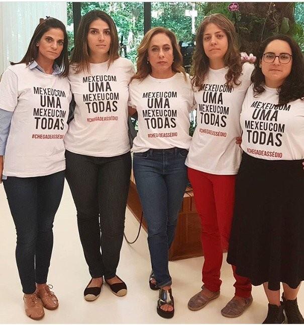 Funcionárias e atrizes da Globo fazem protesto contra o assédio sexual (Foto: Reprodução: twitter.com/cissa_guimaraes)